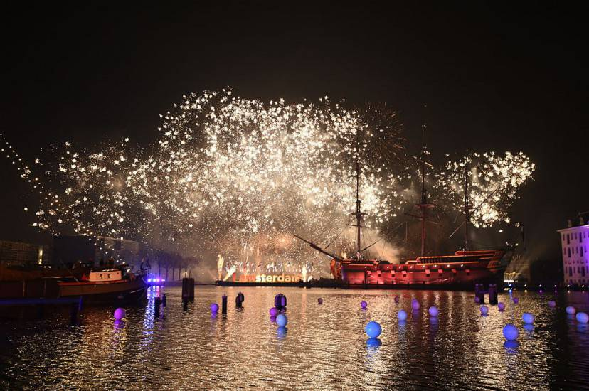 aFuochi di Artificio ad Amsterdam (ROBIN VAN LONKHUIJSEN/AFP/Getty Images)