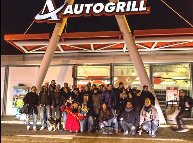 Capodanno all'Autogrill (Screenshot YouTube)