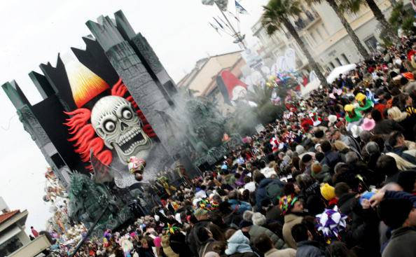 Crowds throng the streets of Viareggio during the traditional carnival parade, 20 January 2008. AFP Photo/Tiziana Fabi (Photo credit should read TIZIANA FABI/AFP/Getty Images)