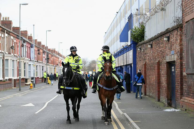 Polizia a Liverpool (Clive Brunskill/Getty Images)
