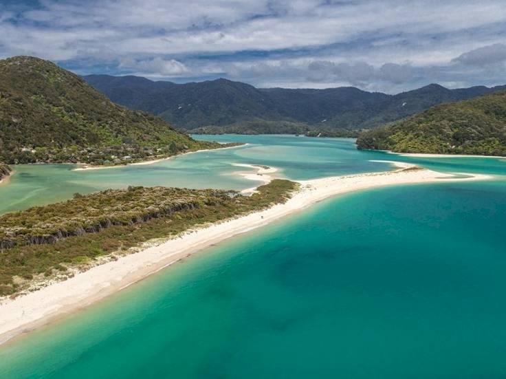La spiaggia di Abel Tasman National Park in vendita (Dal sito Givealittle)