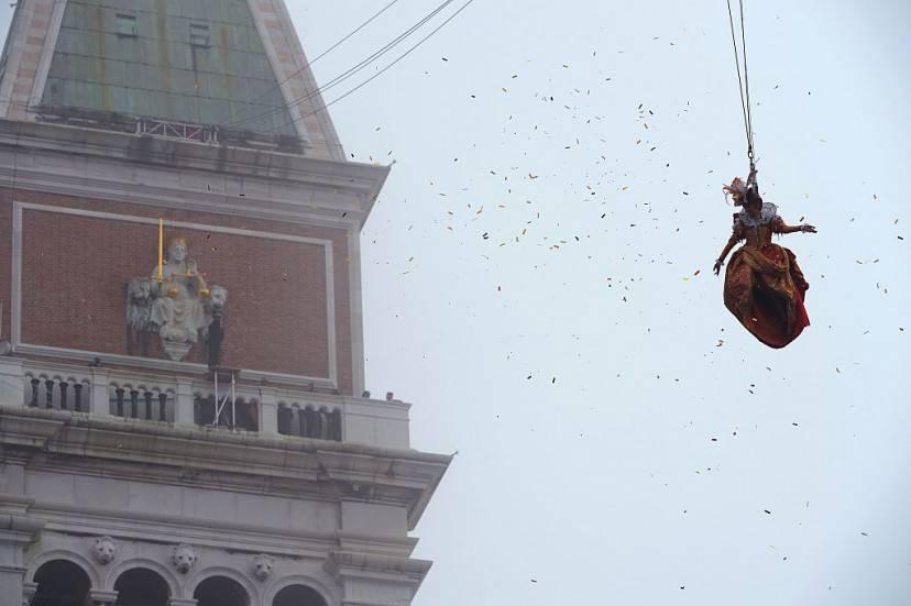 Il Volo dell'Angelo, Carnevale di Venezia 2016 (VINCENZO PINTO/AFP/Getty Images)