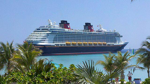 Disney Dream a Castaway Cay (Wikipedia, pubblico dominio)