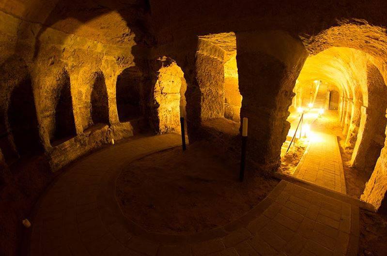 Le Grotte di Camerano (www.turismocamerano.it)