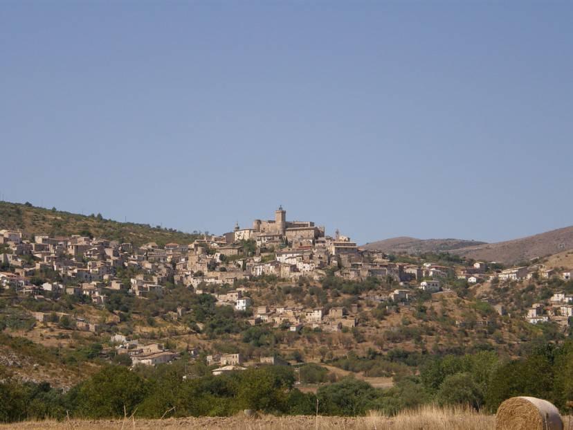 Capestrano (Foto Ra Boe. CC BY-SA 3.0, Wikipedia)