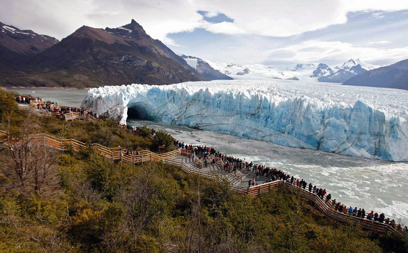 Perito Moreno (WALTER DIAZ/AFP/Getty Images)