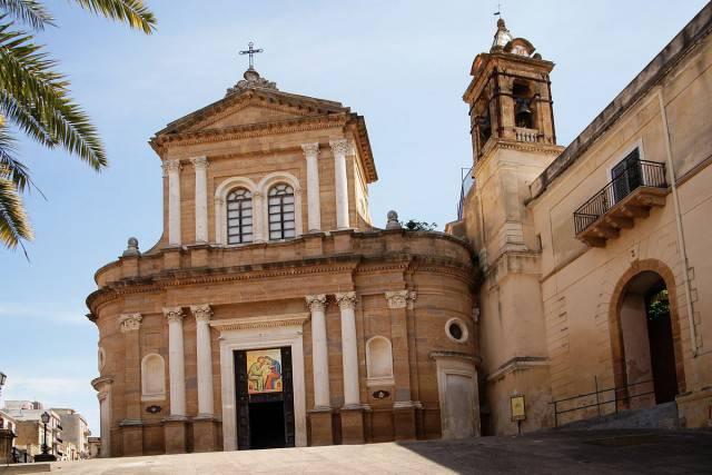 Chiesa del Carmine di Sambuca di Sicilia (Di Mboesch. CC BY-SA 3.0, Wikicommons)