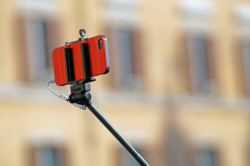 Selfie stick (Thinkstock)