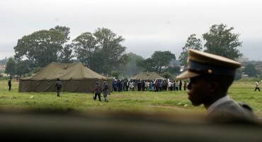 Polizia in Zimbabwe, repertorio (JEKESAI NJIKIZANA/AFP/Getty Images)