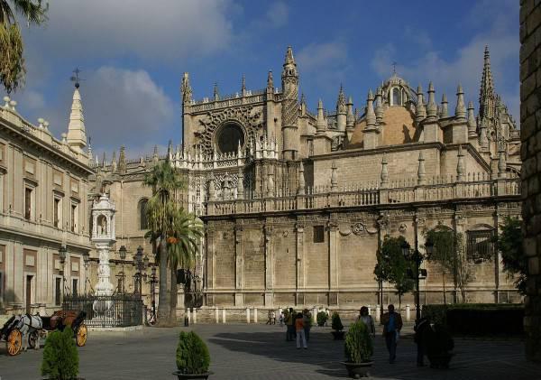 Cattedrale di Siviglia (Hermann Luyken, CC BY-SA 3.0, Wikipedia)