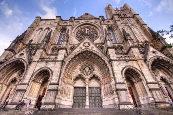 Cattedrale di San Giovanni il Divino (Di Kripaks, CC BY-SA 3.0, Wikipedia)