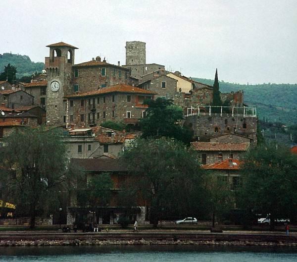 Passignano sul Trasimeno (Di Cantalamessa, CC BY 3.0, Wikicommons)