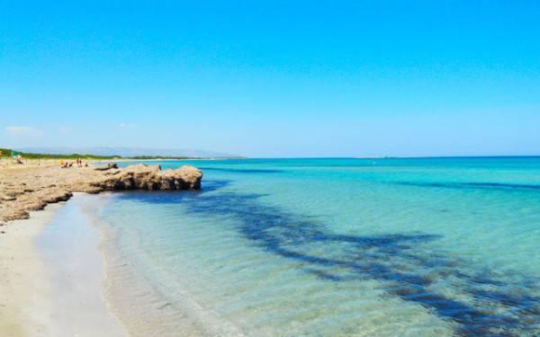 Spiaggia di San Lorenzo, Marzamemi, Siracusa (Foto da travelersinsicily.com)