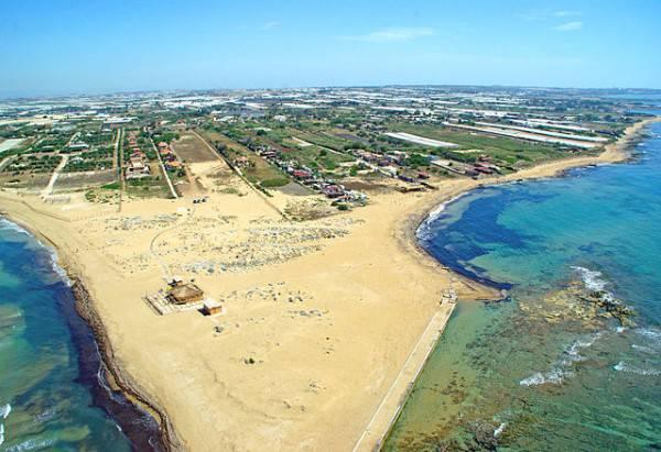 Capo Passero, Portopalo, Sicilia (Di fotovideomike, Michele Ponzio, CC BY-SA 2.0, Wikipedia)