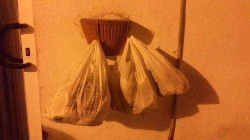 Pane per i bisognosi a Ischia (Foto repubblica.it)