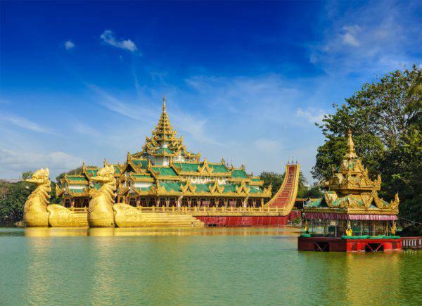 Palazzo Karaweik sul Lago Kandawgyi, Yangon, Myanmar, Birmania (iStock)
