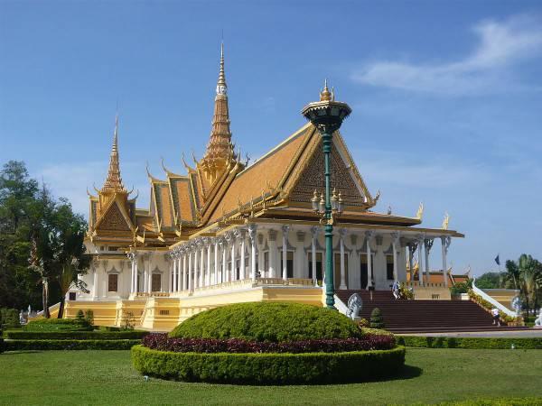 Palazzo Reale di Phnom Penh, (Di Arnaud-Victor Monteux,