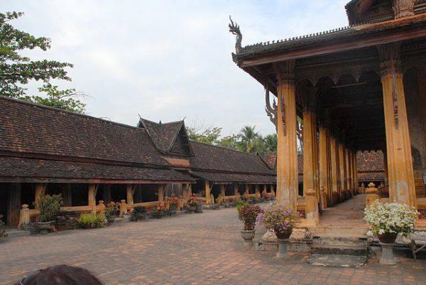 Wat Si Saket, Ventiane (Alcyon, CC BY-SA 3.0, Wikipedia)