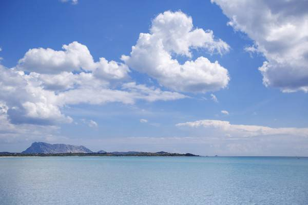 Spiaggia La Cinta a San Teodoro (Levranii iStock)