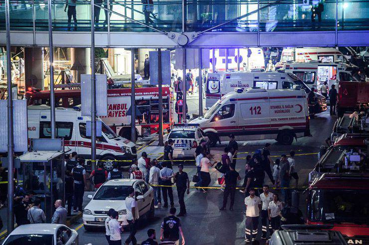 TOPSHOT - Forensic police work the explosion site at Ataturk airport on June 28, 2016 in Istanbul after two explosions followed by gunfire hit Turkey's biggest airport, killing at least 28 people and injured 20.  All flights at Istanbul's Ataturk international airport were suspended on June 28, 2016 after a suicide attack left at least 10 people dead and 20 others wounded, Turkish television stations reported.  / AFP / OZAN KOSE        (Photo credit should read OZAN KOSE/AFP/Getty Images)