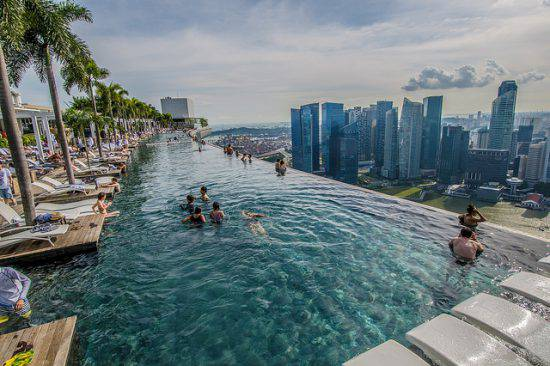 Marina Bay Sands, Singapore, Infinity Pool (Silas Khua, CCC BY 2.0)