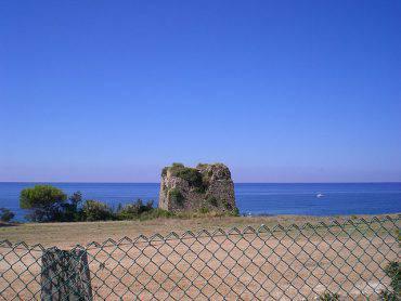 Pollica, Torre del Caleo (Geofix, CC BY-SA 3.0, Wikicommons)