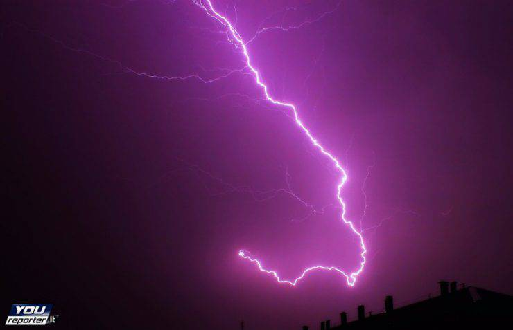 Tempesta di fulmini su Torino (Foto da YouReportet.it)
