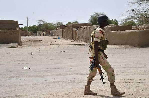 Agente di polizia a Bosso, in Nigeria (ISSOUF SANOGO/AFP/Getty Images)