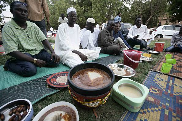 ramadan in sudan Religion in sudan the fourth requires fasting during daylight hours in the month of ramadan the fifth requires a pilgrimage to mecca for those able to perform it, to participate in the special rites that occur during the twelfth month of the lunar calendar.
