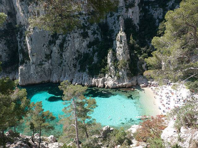 Spiaggia di Calanque d'en Vau, Francia (Andrew Wilson, CC BY-SA 4.0, Wikicommons)