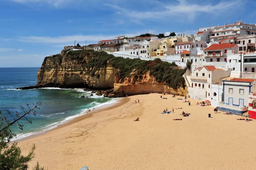 Spiaggia di Carvoeiro, Algarve, Portogallo (iStock)