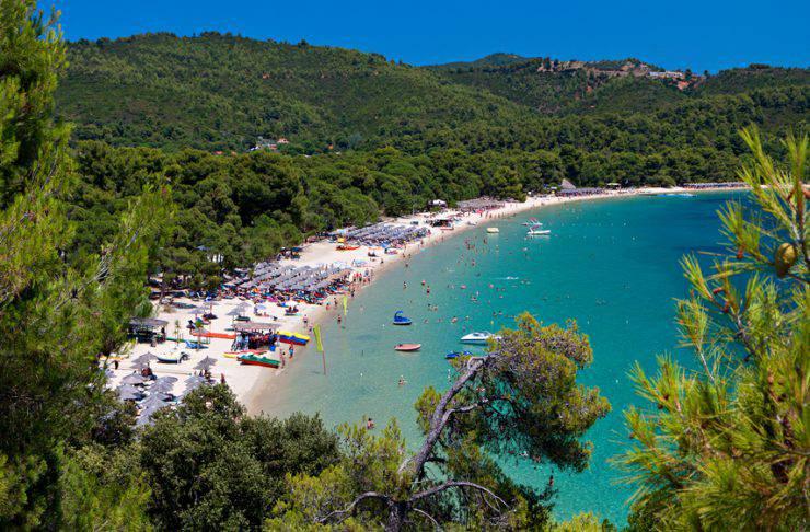 Koukounaries beach, Skiathos (PanosKarapanagiotis, iStock)