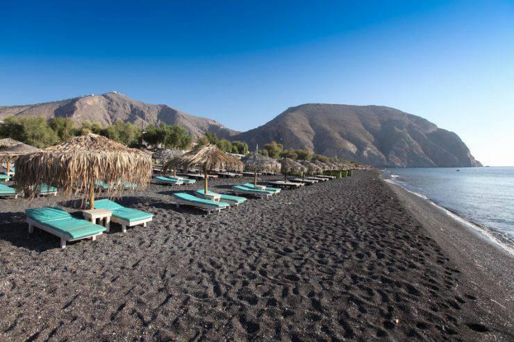 Perissa beach, Santorini (Gianluca Figliola Fantin, iStock)
