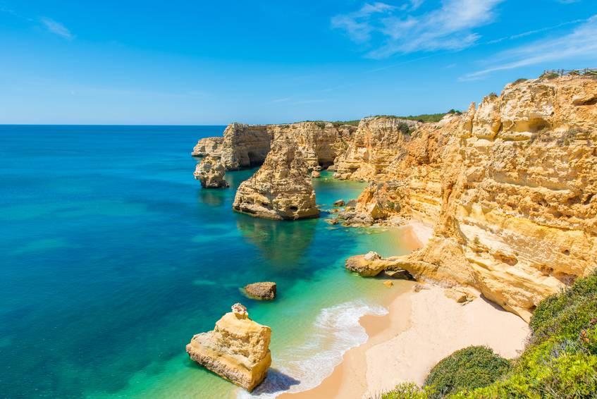 Praia da Marinha, Algarve, Portogallo (Simon Dannhauer iStock)