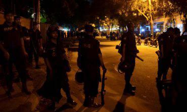Attentato terroristico a Dacca, Bangladesh (STR/AFP/Getty Images)