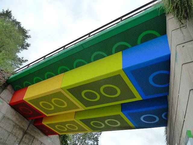 Il ponte-Lego a Wuppertal, Germania (Morty, CC BY-SA 3.0, Wikipedia)