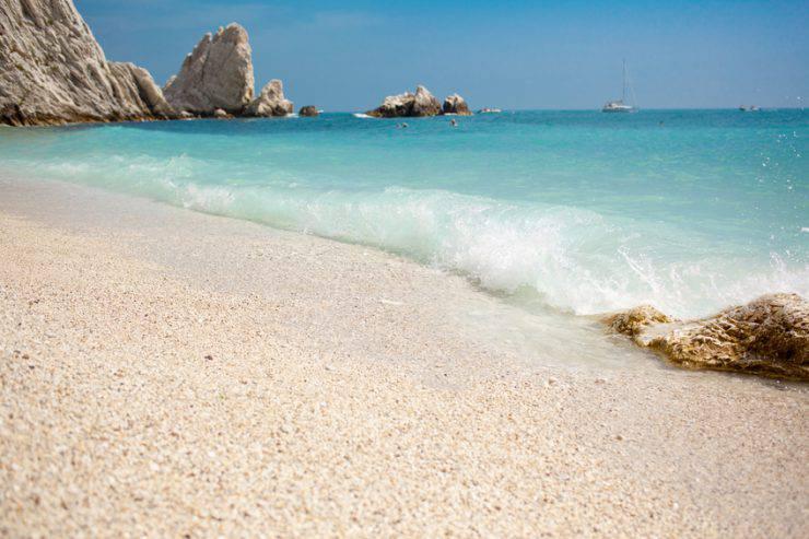 Spiaggia delle Due Sorelle, Sirolo, Conero ( anzeletti, iStock)