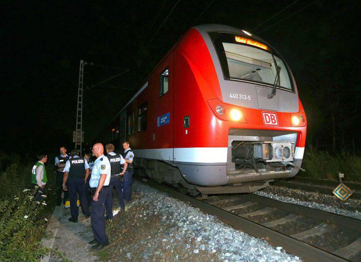 Aggressione su un treno in Germania, 18 luglio 2016 (KARL-JOSEF HILDENBRAND/AFP/Getty Images)