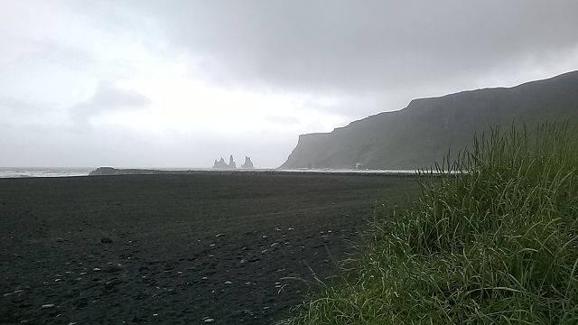Spiaggia di Vik, Islanda (Reykholt, CC BY-SA 4.0, Wikicommons)