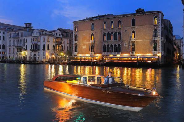 visitare Venezia in mnotoscafo