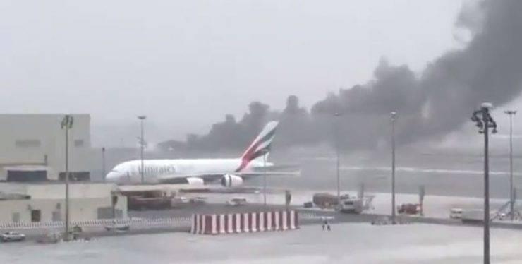 Aereo in fiamme a Dubai (Screenshot)