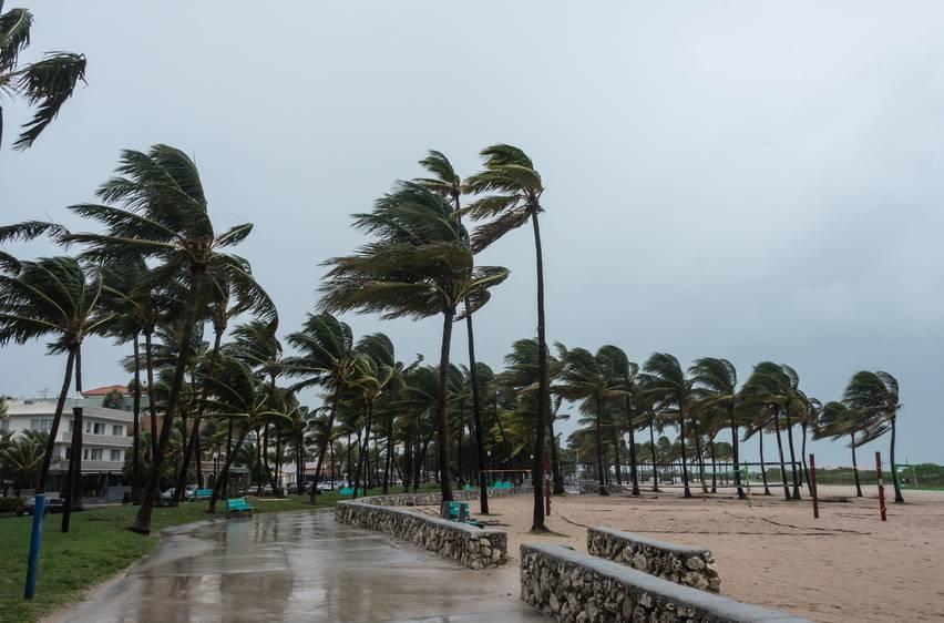 spiaggia pioggia