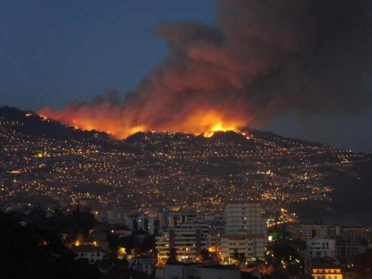 Incendi: Portogallo, a rischio centro Funchal, 3 morti