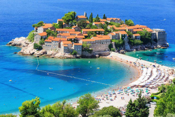 Isola di Santo Stefano, Montenegro (iStock)