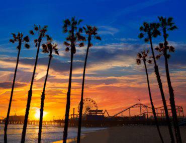 Santa Monica California (LUNAMARINA, iStock)