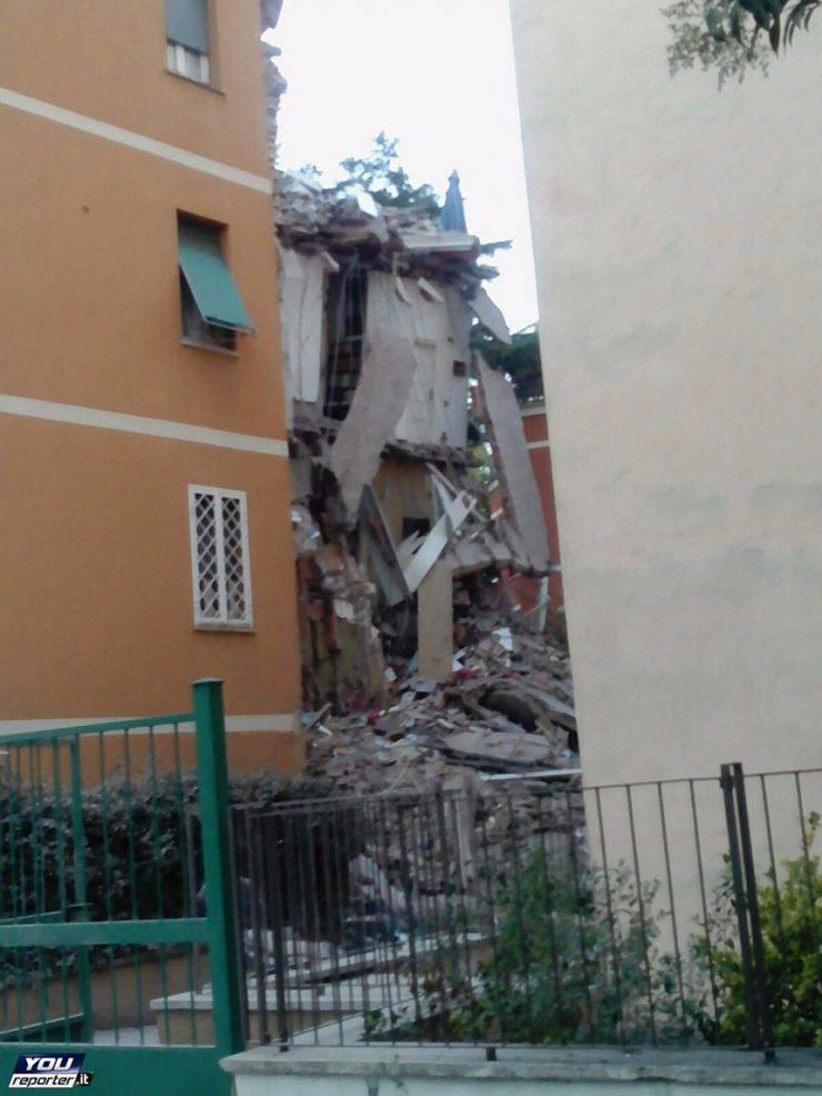 Crolla palazzo a Roma, 24 settembre 2016 (Foto YouReporter.it)