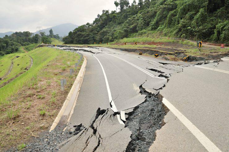 strada_terremoto