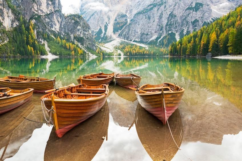 Lago di Braies: come raggiungerlo e perché visitarlo?