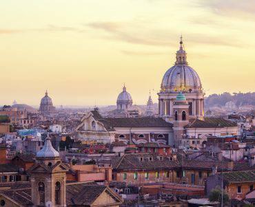 Roma, chiesa e cupola di San Carlo al Corso (iStock)