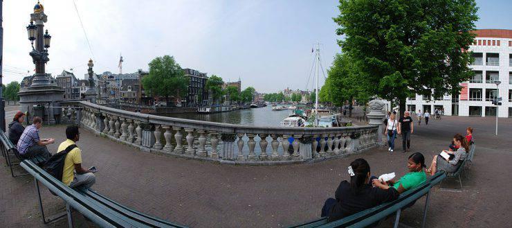 Blauwburg, Amsterdam (MarcusObal, CC BY-SA 3.0, Wikipedia)